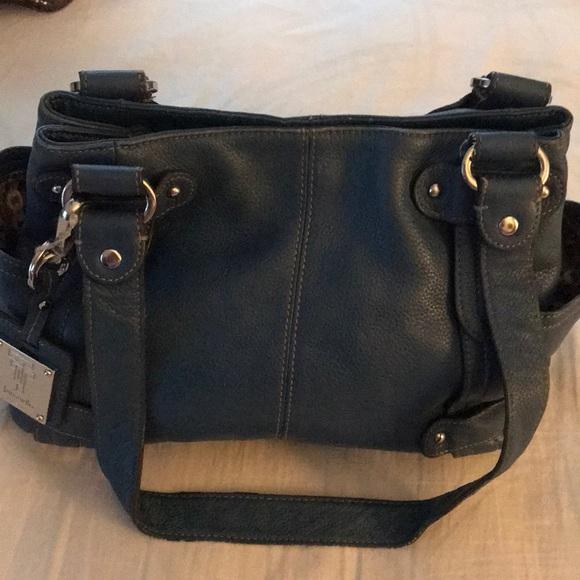 Tignanello Handbags - Tignanello genuine pebble leather bag